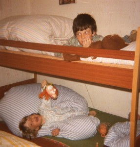 1982 mit Edith beim Spielen